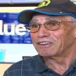 80-year-old runner knocked down by bombs in 2013 runs #BostonMarathon in 4 hours, 23 minutes http://t.co/aJYKQKb1x8 http://t.co/3qcDta2qPo