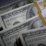 Dólar cai a R$ 3,02. http://t.co/rJ11Qjhmds http://t.co/7z1JIB5DUl