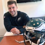 Welcome to #Philly @TimTebow! Check with @ConnorBarwin98 if you need any #SEPTA pointers. #ISEPTAPHILLY #FlyEaglesFly http://t.co/86HOZywjXB