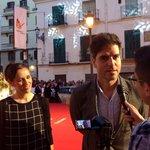 Hoy hablamos con Ernesto Sevilla y muchos más en la alfombra roja. Tarde muy agradable en el @festivalmalaga http://t.co/JbBzQDyecc