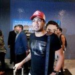 """Hernane Brocador chega ao Recife e fala como reforço do Leão. """"Já me sinto jogador do Sport"""" http://t.co/Olhn7y1YTp http://t.co/qVRQc4qIC2"""