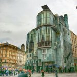 Good morning! Grobe Unterschiede an #Architektur in #Wien Für jeden ist etwas dabei beim #Streetwandern. #AUSTRIA :) http://t.co/WY482DPkqw