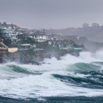"#SydneyStorm: ""@dallaskilponen: Waterfront view of the huge seas at Lurline Bay. @smh @photosSMH #Sydney http://t.co/4ITl45Odjm"""