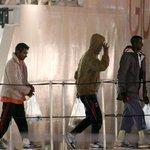 Profughi frustati come schiavi I carcerieri: «Così i parenti pagano di più» Le immagini http://t.co/KM5DqZHt0r http://t.co/VbAhmO2Vfv