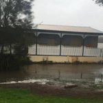 A second house floats along the shores of Lake Macquarie during this mornings floods http://t.co/gLIVdoVeQK http://t.co/pmbEm8peph