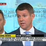 Premier @mikebairdMP encourages people to leave work early due to the storms #NSWweather #nswstorms #SydneyStorm http://t.co/Ri04hBLO3m
