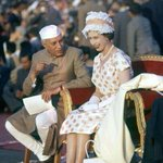 #TheQueen with Nehru in #India 1961 @IndiaHistorypic http://t.co/f2KhlP89bM