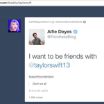 """""""@PointlessBlog: Can we all take a moment.. @taylorswift13 liked a post about ME on Tumblr! http://t.co/2u0vT3fyEQ"""" yay! 😁"""