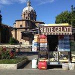 Ma a Storato, ai Fori, faranno illuminare anche i camion bar? #Roma #ideone #Vip #malimort http://t.co/Uvuos9cyuh