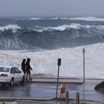Wild weather continues to batter the coast at Clovelly in Sydney this afternoon @dailytelegraph #weather http://t.co/3a7ZbPC8h1