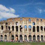 #21aprile Tanti auguri #Roma ???????? #NatalediRoma http://t.co/D3eNkwQxyy @wanderlustitaly @roma @RomaCuriosa @VLCIT http://t.co/E4ywhLBtnh