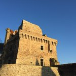 Encore une belle journée en perspective sur #Châteaubriant et son château ! @JordanEsn @PaysdelaMee @GrandPatrimoine http://t.co/SZJ0k3R4Mp