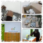 Women in action - Funaadu Development Coop Society product packing process for delivery of Taro Chips (Olhuala). http://t.co/frT4hZJKyx