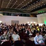 Oggi festeggiamo i 10 anni di Netcomm e della X ediz. #ecommerceforum con la sala plenaria piena. Tra poco iniziamo http://t.co/7baUtnuvb1