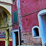 In #Liguria anche i muri prendon vita tramite la bellezza riflessa di un dipinto...#Perinaldo #Expo2015 #Liguritudine http://t.co/nV3Y3Cv1Th