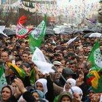 """""""@cnnturk: HDP seçim beyannamesini açıklıyor... Canlı yayın... http://t.co/IlTqPGzz0k http://t.co/lnfmJvj5yp"""" #HDPBarajıYıkmayaGeliyor"""