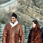 Holy cow. I think $onia is wearing $48k (30 lakh approx) sable coat. Ye to Modi ke pinstripe suit ki Bhi amma nikli. http://t.co/JmTkKQMNdK