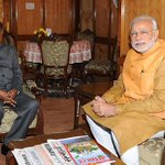 A picture of PM @narendramodi meeting Shri JB Patnaik, who served as Odisha CM and Assam Governor. http://t.co/sIpRFm1tZs