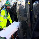 Paramedics in Northern Ireland to wear full PSNI riot gear when called to disturbances: http://t.co/kn5nIFePqB http://t.co/DcOH5rxUTg