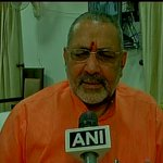 I respect the media but when I didnt meet the PM why would I cry & the PM console me?: Giriraj Singh http://t.co/HNNljN28W0
