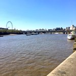 Hello from a very sunny #london . Do get in touch with any of your #currency questions or requirements. #AstonCM #FX http://t.co/IvEKyO03lG