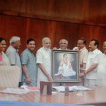 Sri Basaveshwaras photo presented to Honble @PMOIndia Shri @narendramodi by Karnataka MPs. @bjpkarnataka http://t.co/FfRNZV4Pb1