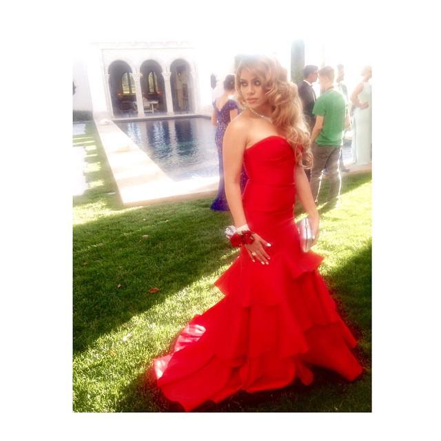 .@dinahjane97's prom pics are so pretty, #Harmonizers! Check out more HERE: http://t.co/pJ9W7jg82T http://t.co/haiKnNvRcw