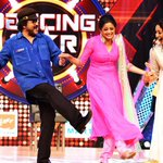 RT @PriyaManiWeb: #DancingStar #Offscreen  @AkulBalaji #RaviSir @priyamani6 @MayuriUpadhya :-) http://t.co/8OKNPV6ZtA