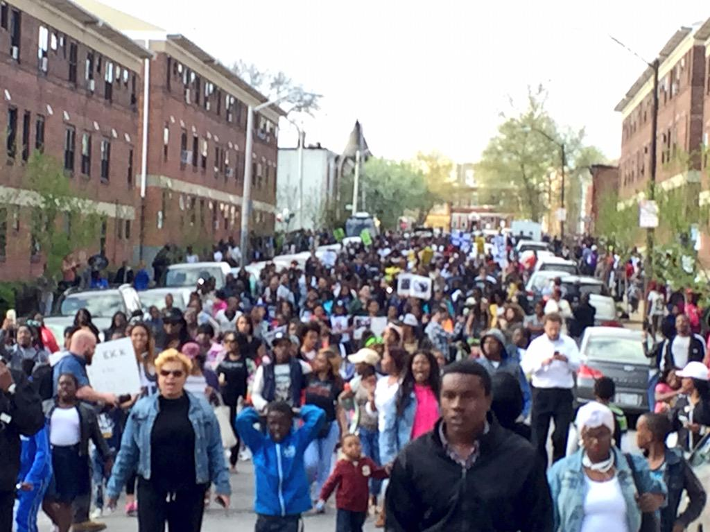 More than a thousand protesters for #FreddieGray @CNN http://t.co/gUEQe7UTsJ