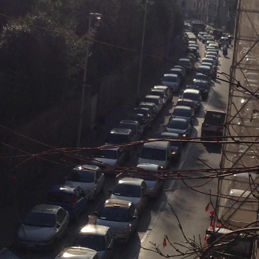 "RT @NiccoloBianco: Ore 820 traffico ingolfata viaVEmanuele e viaTavanti! risolvere l'incrocio! @ferraro_filippo @Lavori_Tram_Fi #tramvia ht…<a target=""_blank"" href=""http://t.co/AJMi3mDqoF""><br><b>Vai a Twitter<b></a>"