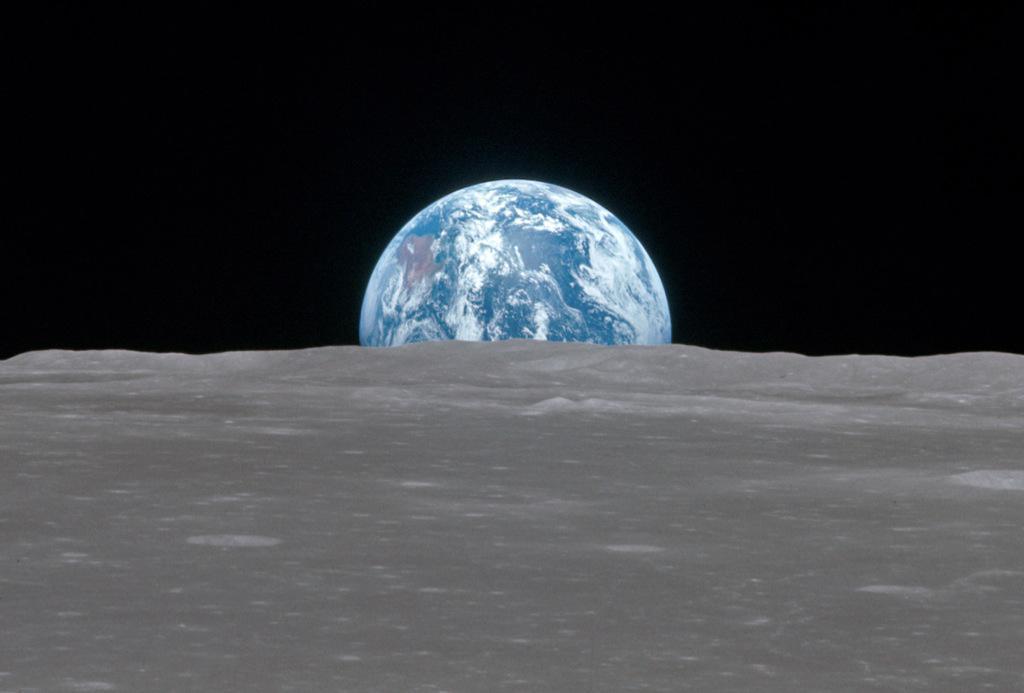 Feliz #DiaDeLaTierra -Así  se ve desde la Luna, foto desde el Apolo 11 el 20 de julio 1969. Via #NASA http://t.co/X7aIimrkwJ