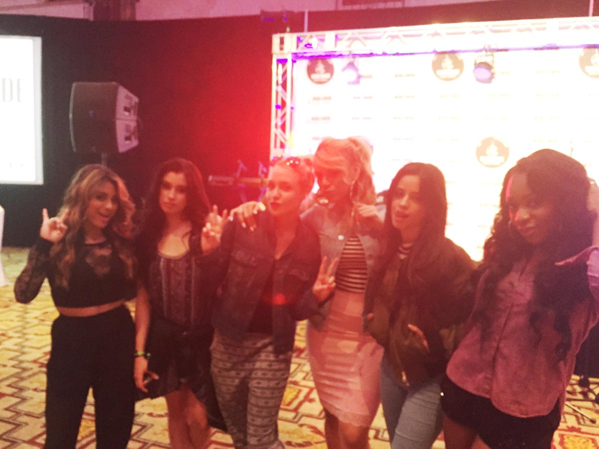 Just met the lovely girls of @FifthHarmony at soundcheck. Tonight's show is gonna be awesome!