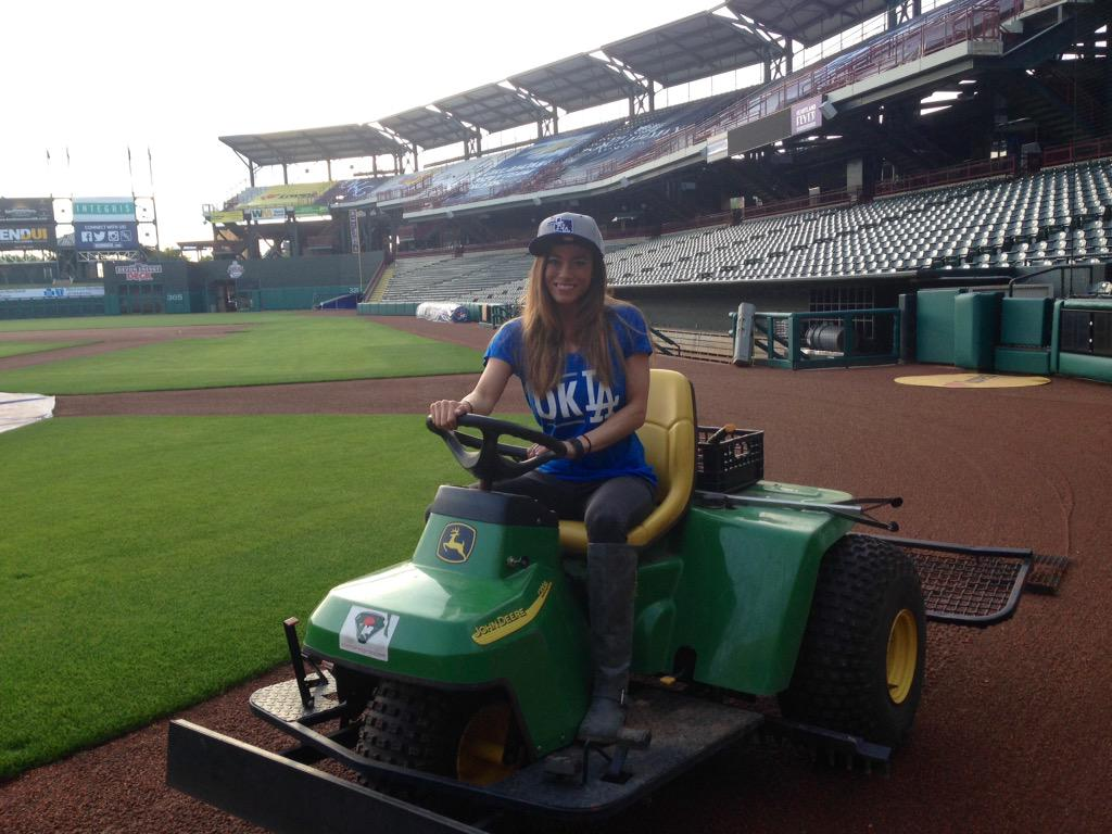 Ashley Kringen (@Ashleykringen): From groundskeeper to entertainer, having a hoot with the @okc_dodgers @Freedom43TV #adventureswithashley http://t.co/CqAusPNqYF