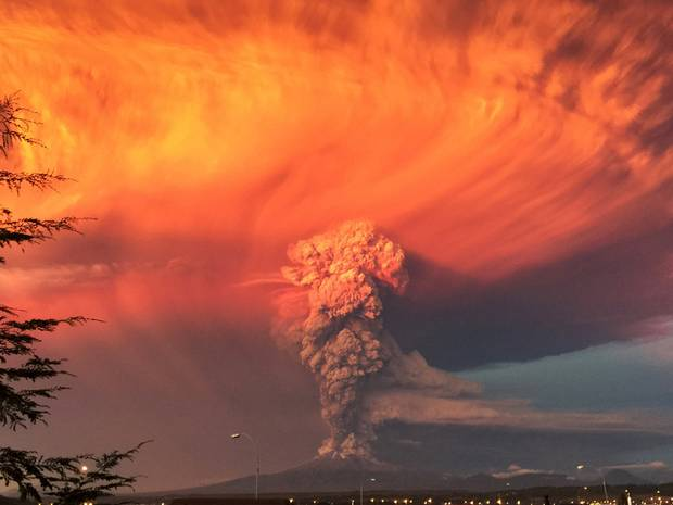 Chile looks apocalyptic right now http://t.co/g4kyC8y2Kl