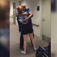 فيديو.. ردة فعل ممرضة شاهدت مريضتها المشلولة