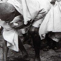 فيديو.. استخدم غاندي الملح كسلاح لمحاربة الدولة العظمى