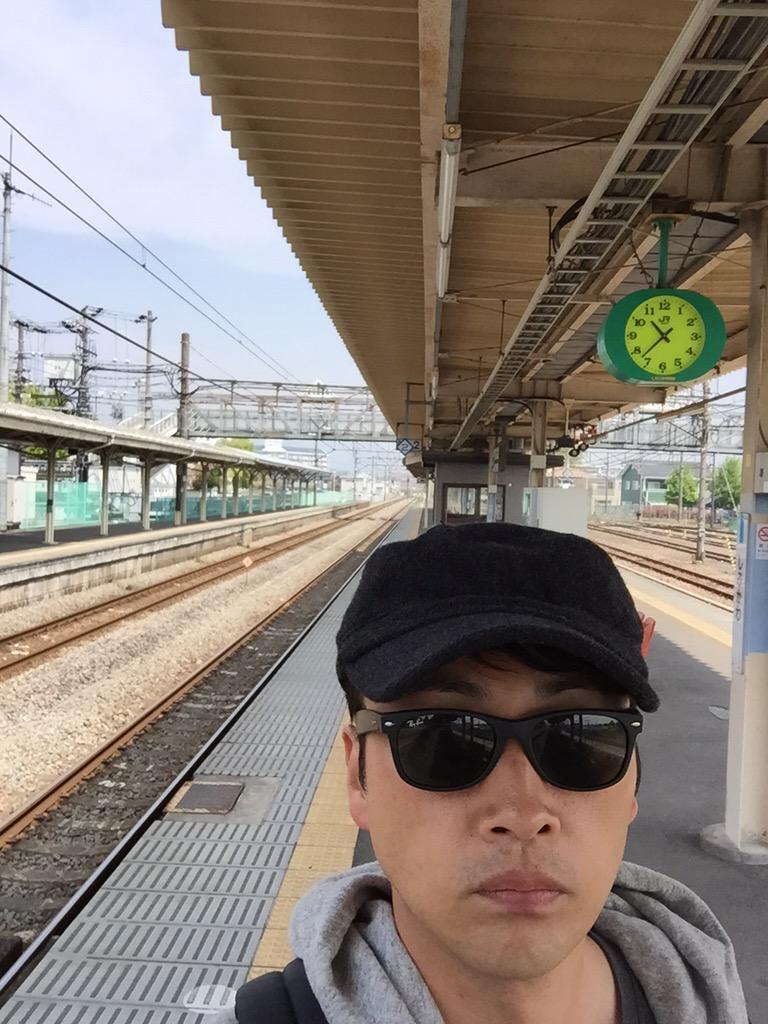 渋川駅、誰もいない http://t.co/LLNcZlwqdG