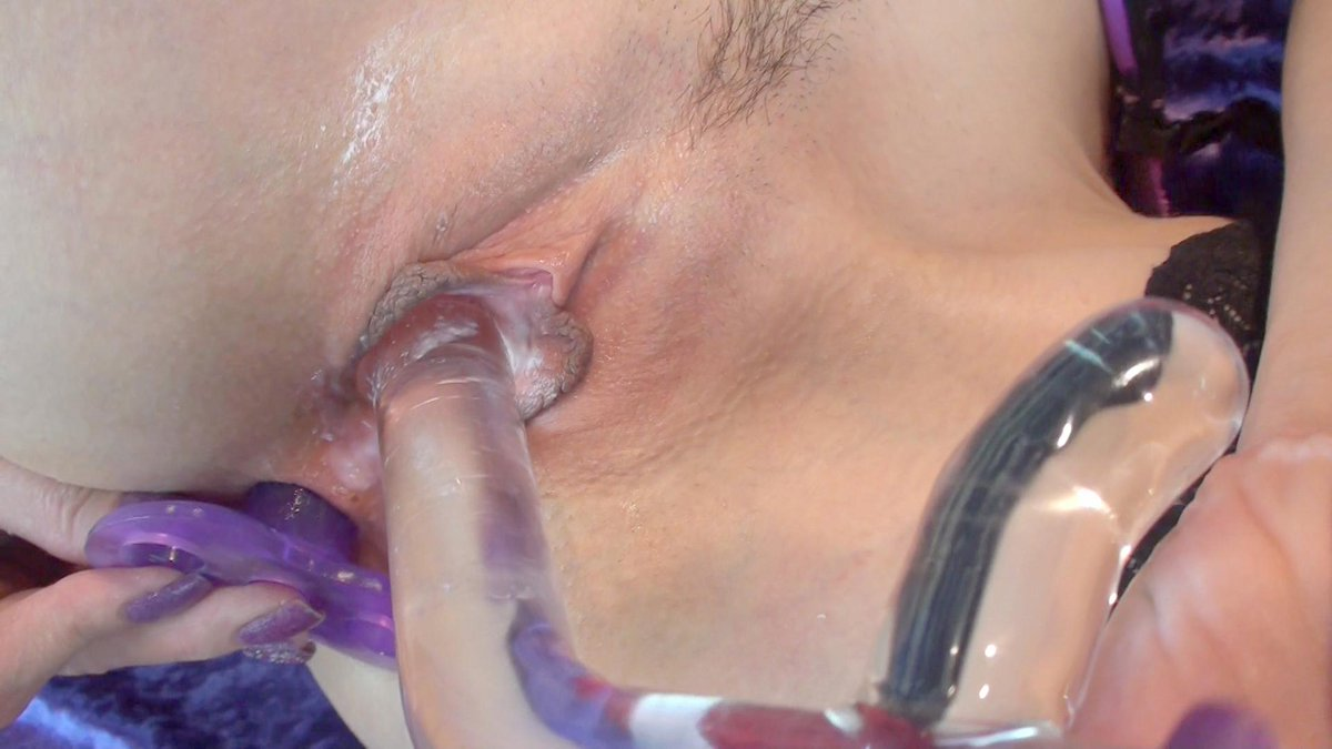 how about this for a #closeup and personal shot! send me pics of what this pic does to you #RT #DoublePenetration