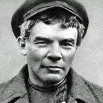 Просто Ленин без бороды http://t.co/mtcVlcjT1q