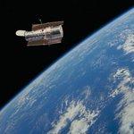 ¡Feliz cumpleaños al #Hubble! El famosos telescopio espacial ya tiene 25 años http://t.co/7h0nut68kg (NASA) http://t.co/66OgfdAD9A