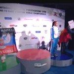 ВИДЕО: украинская спортсменка вышла на церемонию награждения с флагом ДНР http://t.co/9ETjmdwuoQ http://t.co/g9uP803i3m