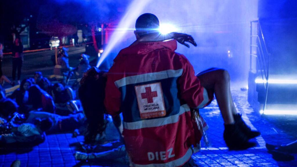 Con ustedes, el primer TEASER OFICIAL de Paramedicos Temporada 2  @CruzRoja_MX @CanalOnceTV  https://t.co/7HS0Sz7jdo http://t.co/hVFSP7hxFP