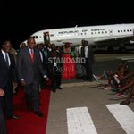 President Uhuru's plane forced to return to Nairobi over security fears in Yemen http://t.co/1GbE3pkxnG http://t.co/mpRDXiLxlz