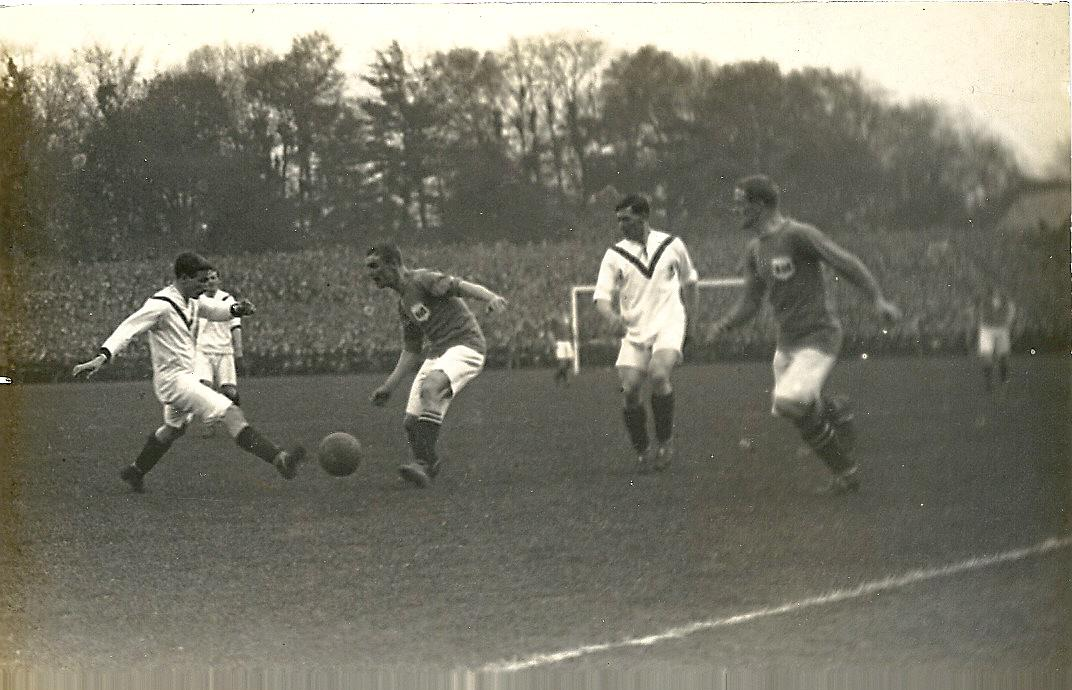 #mufc #facup History 24.04.1909 #mufc 1 v 0 @bcfctweets  #manutd win 1st #FACup thanks to a Sandy Turnbull goal http://t.co/xwhiYxNWci