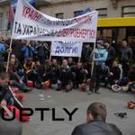 Протестующие в Киеве шахтёры заявили о нападении на них «Правого сектора» http://t.co/De2Bq4rzIl http://t.co/YAhjLScVGa