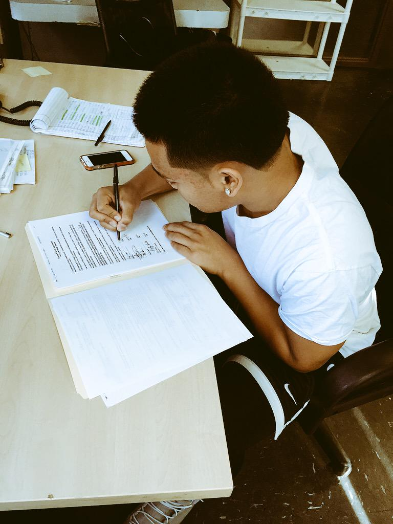 Congrats to Impact Academy player @juicyjh4yde for officially signing with the @FLCSkyhawks today! #EmbraceTheGrind http://t.co/rwBMUREGVw
