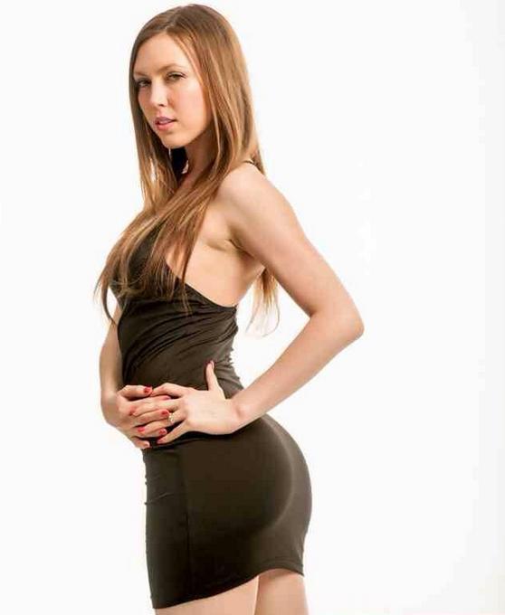 Redhead solo girl Megan Loxx strips naked on a chesterfield № 709414 загрузить
