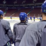 12 hours later and #Canucks are back on the ice. No Bonino, Kenins, Hansen, Higgins or Richardson at practice. http://t.co/6SlFfAjHte