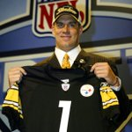 11 years ago today the #Pittsburgh @Steelers selected a QB in 1st round of the NFL Draft... http://t.co/ScEE5g9q7J http://t.co/YLLXm1cUmy