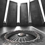 День памяти жертв Геноцида армян: Политики и деятели культуры о геноциде http://t.co/oMPAPrqDsq http://t.co/Du1o4u6Quz